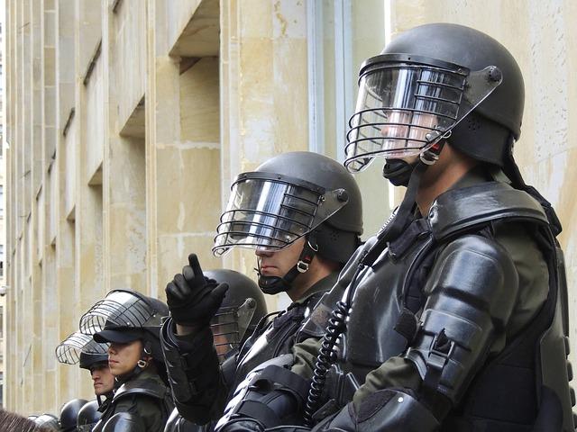 police-275875_640