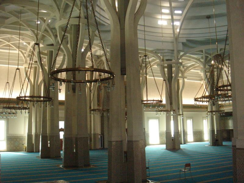 Moschea_-_sala_principale_00531