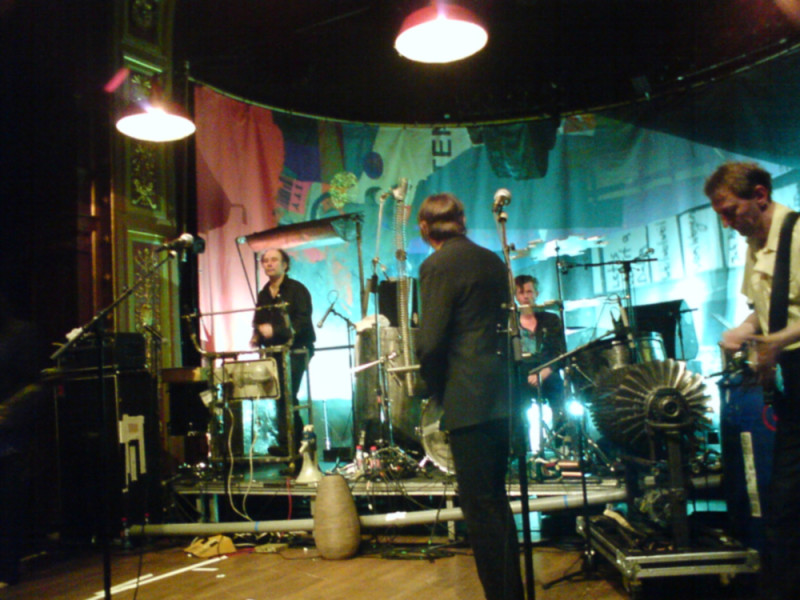Einstürzende_Neubauten_Live_at_Berns,_Stockholm_Sweden_2008_2