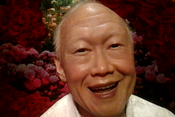 Waxwork_sculpture_of_Lee_Kuan_Yew,_Madame_Tussauds_Singapore_-_20150408